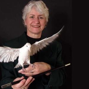 Joan-Ceaser-Magician